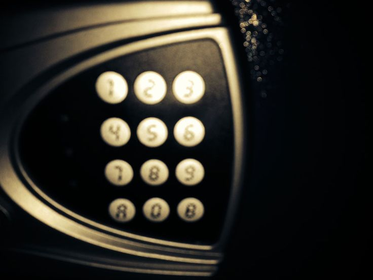 Safe - find a code and escape the room. Time is ticking. Escape room Oslo.