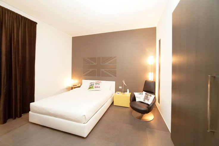 Camera da letto: Camera da letto in stile in stile Moderno di MNA Studio | Macchi Nicastri Architetti