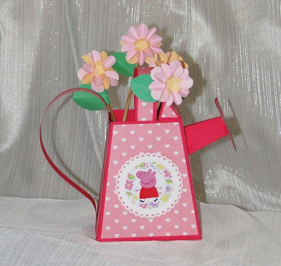 Regador tema Peppa Pig. Produzido em papel 180 gramas, pode ser usado como  centro