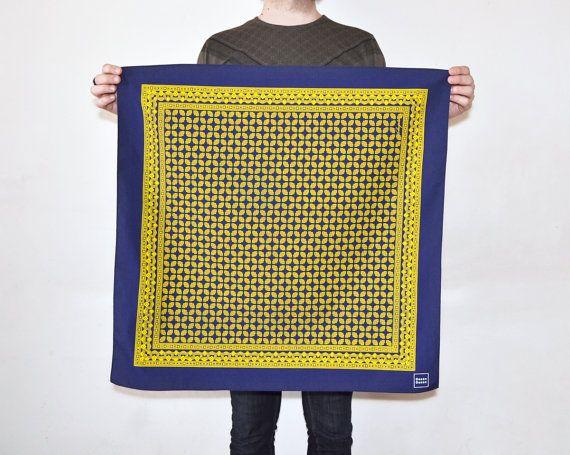 Mano stampato fazzoletto con il tradizionale Design Vintage  #kerchief #foulard #tshirt #vintage #handmade #handprinted #dezendezen #etsy