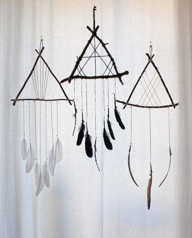 Chamanique Très simple à réaliser avec des petites branches et des plumes.