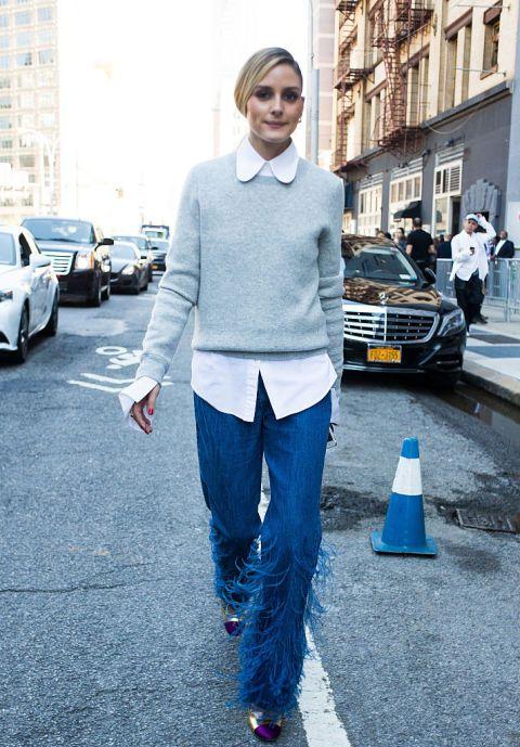 Dimenticate il classico jeans: il denim ora si veste di frange, ricami, pietre preziose, paillettes. Con un classico maglioncino e camicia, sono la scelta casual perfetta per l'autunno e l'inverno.