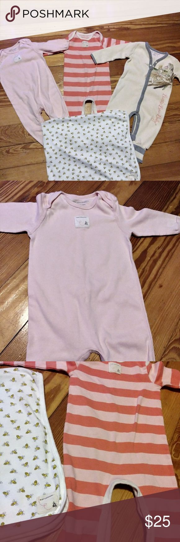 Burt bees organic 6 to 9 months bundle Three onesies all in excellent used condition size 6 to 9 months comes with matching soft lightweight blanket with Bee print all over and we'll go at bottom comes from a smoke-free pet-free home Burt's Bees Baby Matching Sets
