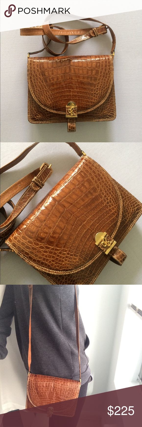 Genuine leather Vintage brown crocodile purse Accordion opening - clean on the inside - genuine leather - really beautiful and extremely well made vintage purse. Eva Artigianato Bags Crossbody Bags