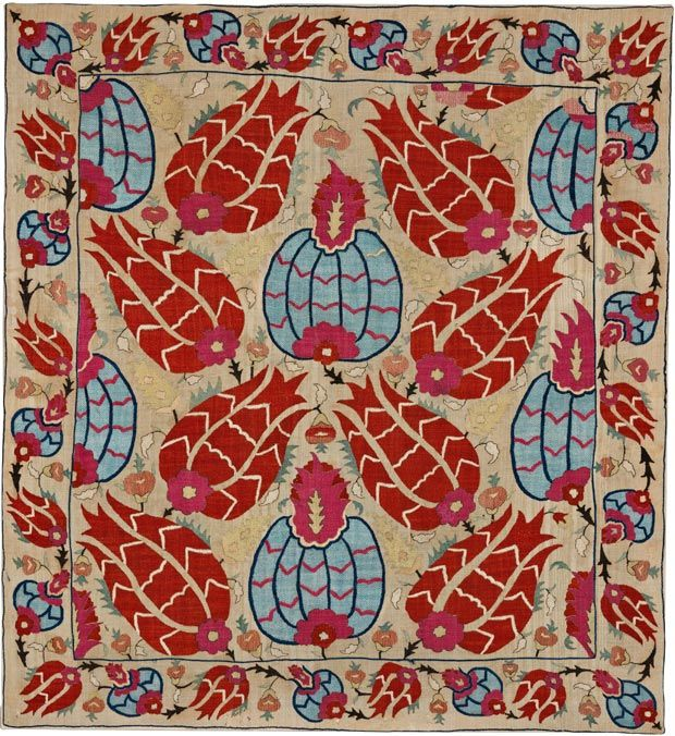 image Wrapping cloth, Ottoman, late 17th century, 122 x 112 cm, SHM 9582 - İ.571 / Courtesy of Sadberk Hanım Museum