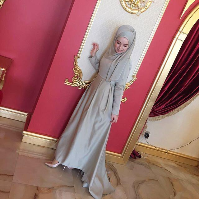 Veeee Çağla Yeşili Püsküllü Elbisemizle Çok Tatlı Bir Hanım daha 😍👏🏼👏🏼👏🏼 Fotoğraf için çok teşekkürler😌 Severek kullanın 👌🏼 #tesettur #tasarım #abiye #şal #eşarp #tesettürgiyim #hijab #bestoftheday #ferace #kap #elbise #pinarsems #alışveriş #düğün #moda #tesetturmoda #hijabfashion #islam #followers #trend #instalike #istanbul #peksekerbutik #ankara #hijabers #tesettür #elbisemodelleri #repost #galatasaray #butik