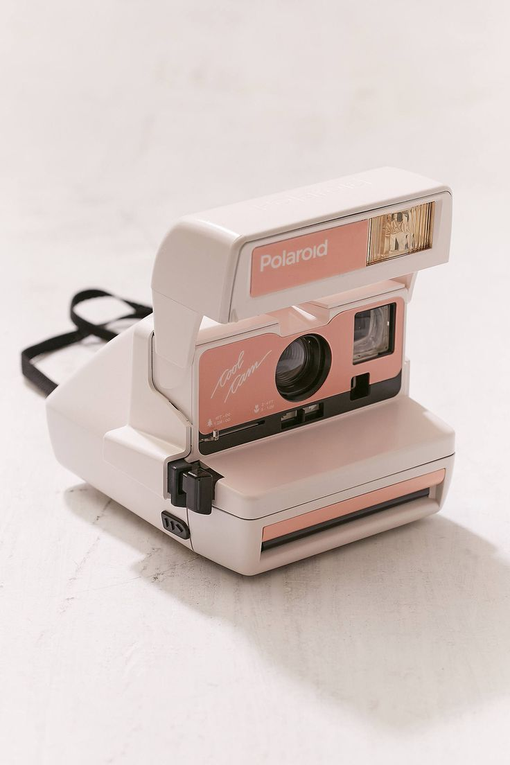 """Shoppe heute noch Impossible – Polaroid-Sofortbildkamera """"600 Cool Cam"""" in Pfirsich von Urban Outfitters. Wir haben hier alle neuesten Styles, Farben und Marken zur Wahl."""