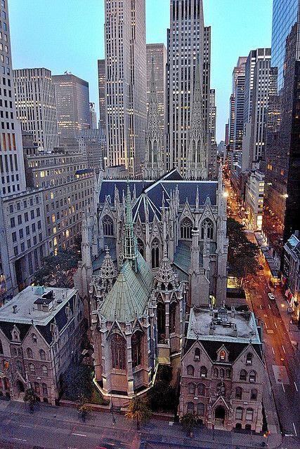 Catedral de São Patrício, na Avenida Madison com a Rua  E 50th, Nova York, NY, USA.