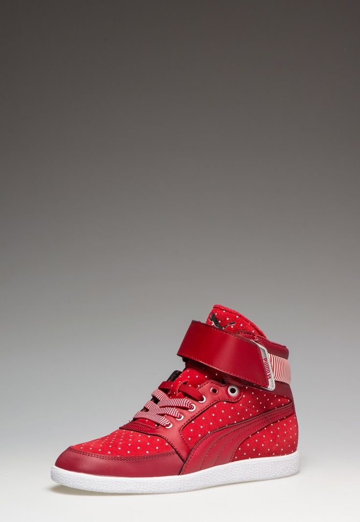 Puma Woman Skyaa Hi Red High Top Sneakers  http://www.fashiondays.bg/product/puma-woman-skyaa-hi-red-high-top-sneakers-2553273-1/