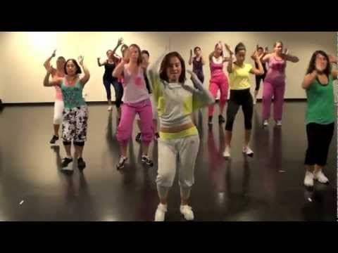 Cool routine with brazilian funk and bollywood/bhangra music. Good for #zumba. Song: Passinho da India