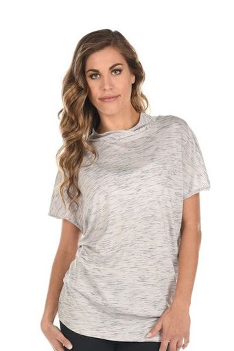 The Ingrid Top is so soft and flowy. It is a great option for those looking for a tee with a little more coverage. High neck, banded waist and slouchy fit. https://www.elevateactivewear.ca/webstore/ingrid-top/dp/20673