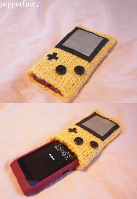 Knit phone pocket #gameboy: Random Things, Knits Phones, Pockets Gameboy, Taschen Häkeln Stricken, Clever Crafts, Phones Pockets