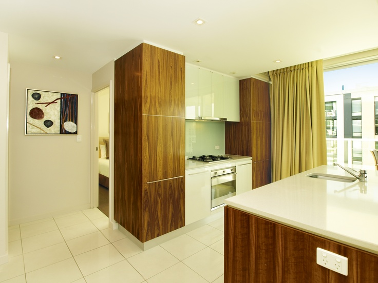 Oaks Embassy, Adelaide - 3 bed exec kitchen
