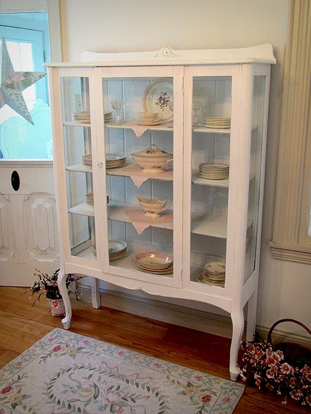 Enchanting China Cabinet Queen Anne Legs Home Decor
