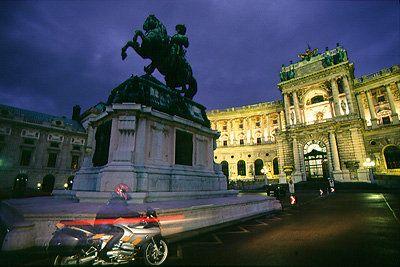 Wien Innenstadt Nacht BMW R 1150 S