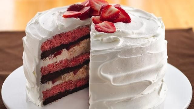 Cream-Filled Strawberry-Brownie Cake...and it starts with a mix, so it's really easy!