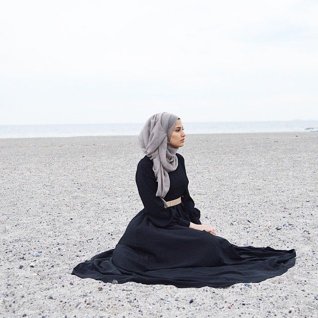 I love the way the hijab is done!!!!   ☪ Pinterest: @RubyScoobyDooby