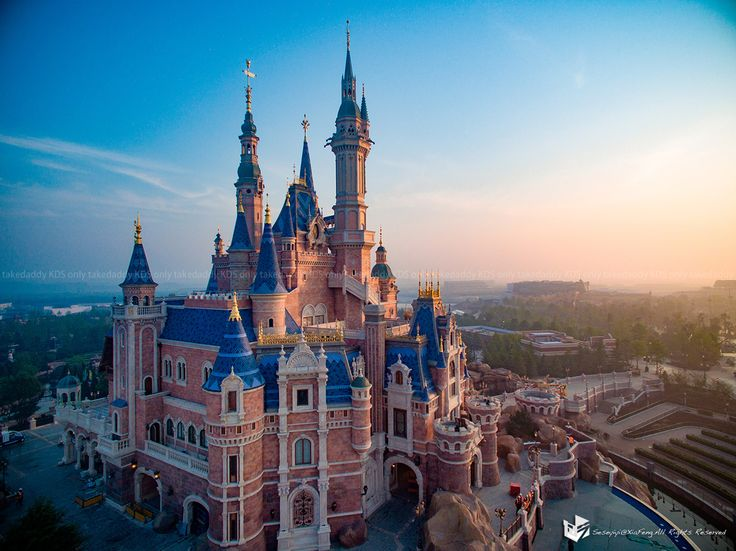 The new Disney Land in Shanghai. So beautiful..