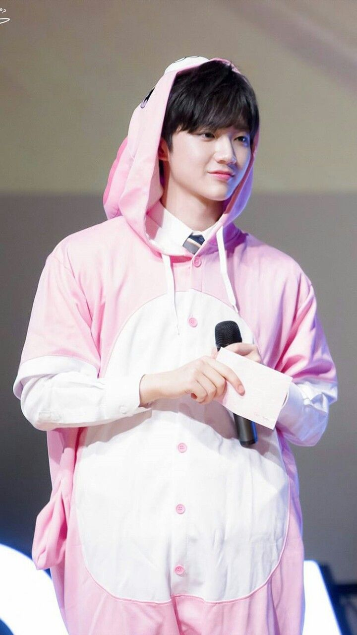 #WannaOne #WannaOneWallpaper #Produce101 #AhnHyungseob Credit to owner