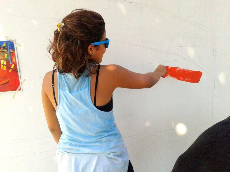 """Asi empieza el mural """"Ni con el petalo de una rosa"""""""