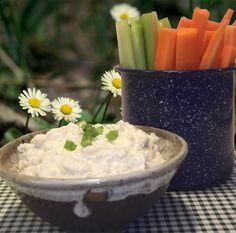 Horseradish Dip from Paula Deen's Best Dishes | Taking On Magazines | www.takingonmagazines.com
