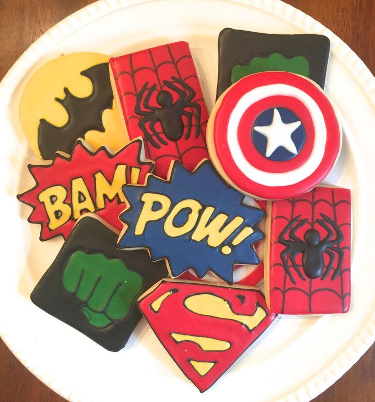 Super eroe decorato biscotti-una dozzina di MrsCookieBakes su Etsy https://www.etsy.com/it/listing/488158712/super-eroe-decorato-biscotti-una-dozzina