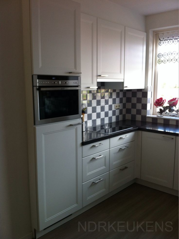 Leuke keuken met neff apparatuur tegels windsor logic keukens geplaatst door onze - Keuken met cement tegels ...
