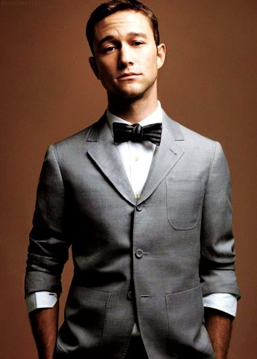 I don't think I want to marry Jospeh Gordon-Levitt, but I would like my husband to have similar qualities...including adorableness and this outfit.