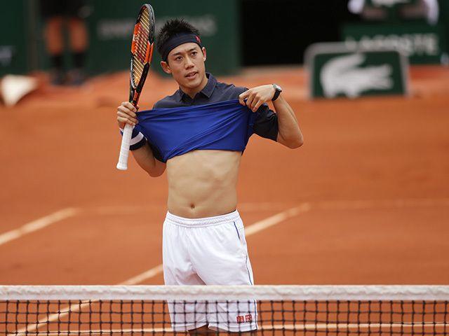 Kei Nishikori shows his belly