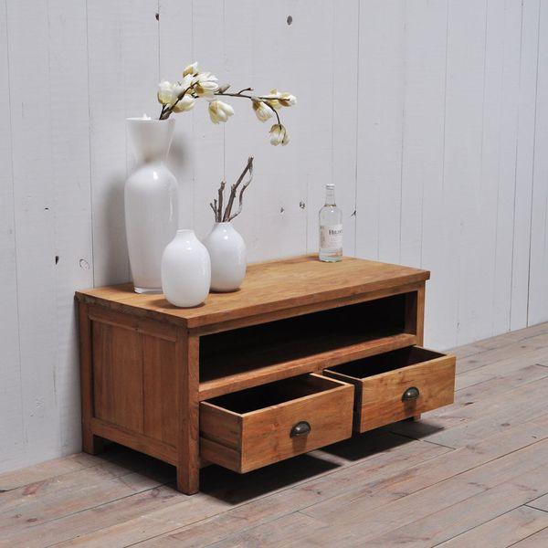 Perfekt Rustikale Möbel Müssen Nicht Immer Riesig Und Wuchtig Sein. Mit Einer Teak  Kommode Kann Man