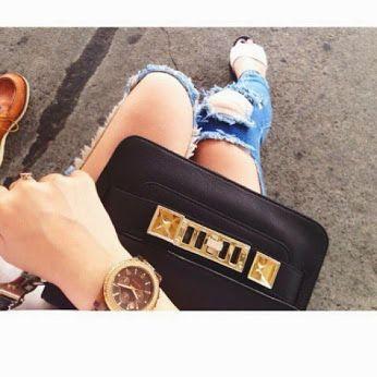 #street #bag #feet   #clock  #hand #jeans