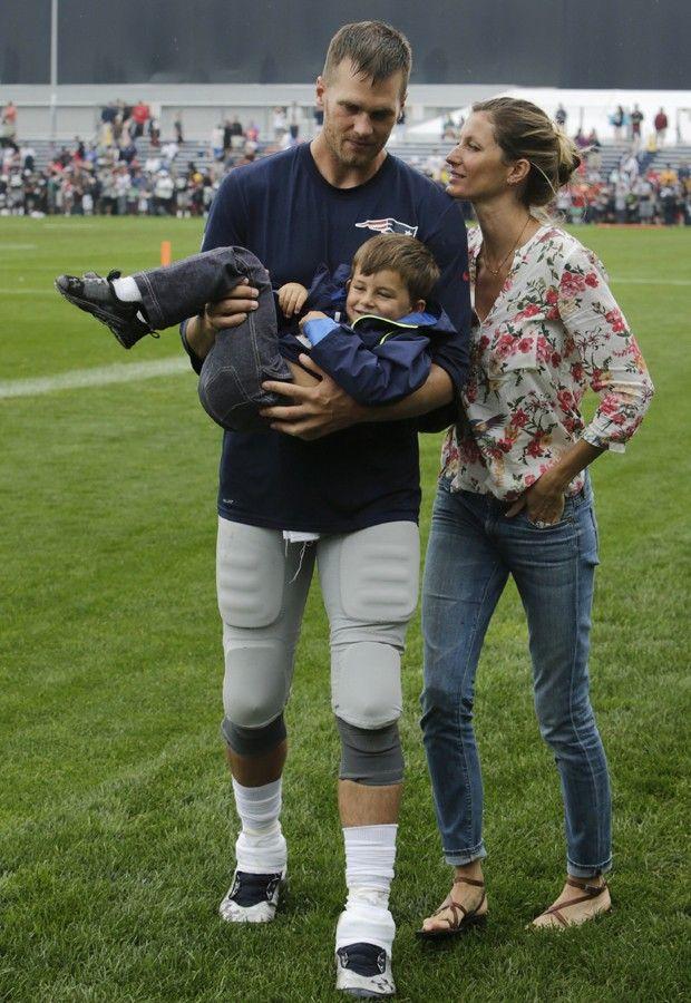Gisele Bündchen, Benjamin e Tom Brady (Foto: AP Exchange)