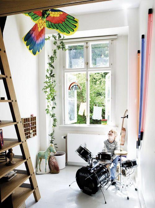 bookshelf stairs..