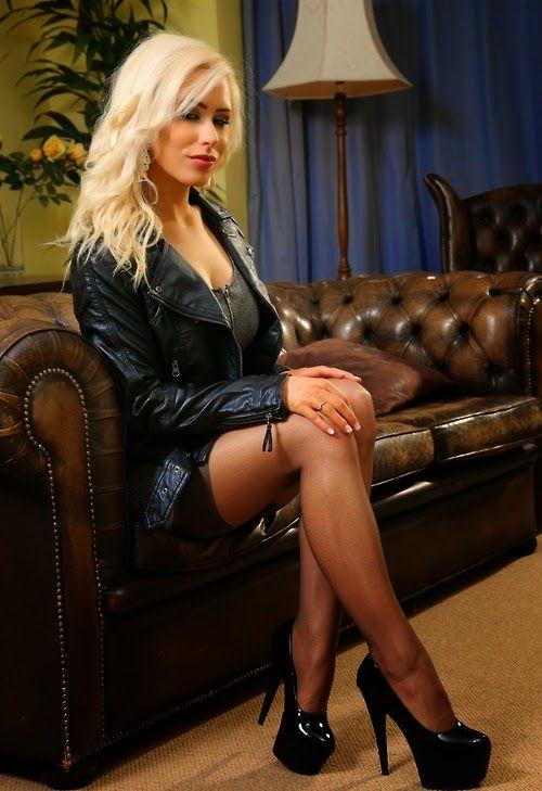 Extreme Anne Blonde Teen 81