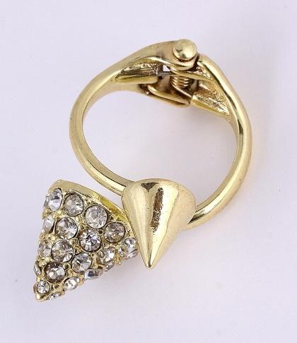 Gold Tone Ring / clear rhinestone / lead & nickel compliant      $11.25