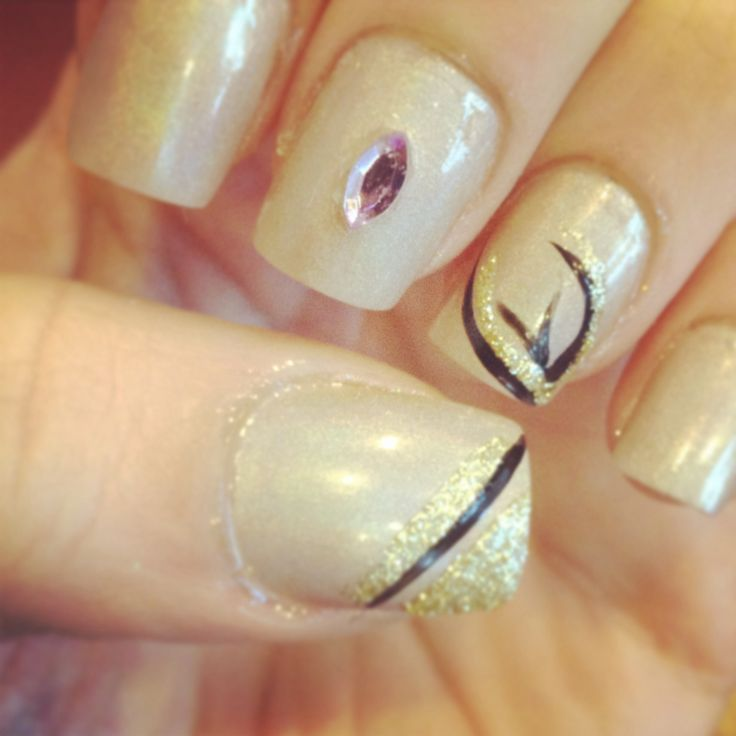 Neutral with simple nail art