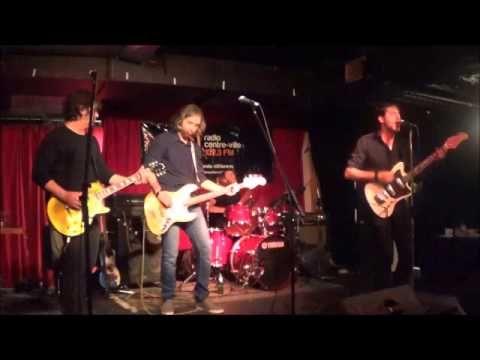 Radiothon - Radio centre-ville - 2014.10.09 - The Fuzzy Bees - Par Akim vidéos - YouTube