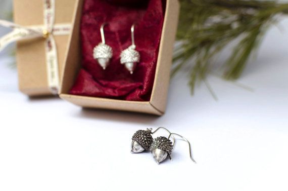 Sterling Silver Acorn Earrings, Nature Jewelry, Tiny Acorn Earrings, Dangle Earrings, Botanical Jewelry, Gift for her