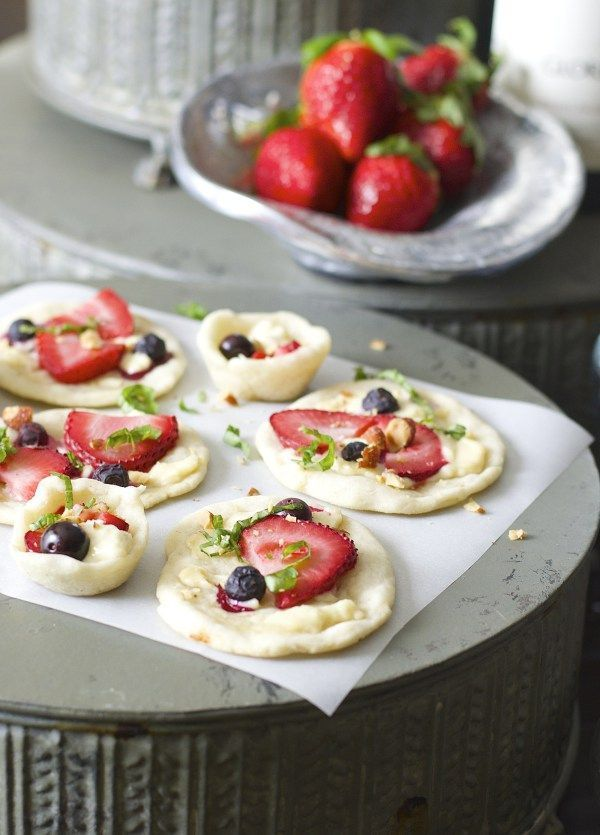 These light Strawberry and Honey Goat Cheese Bites are a simple yet ...
