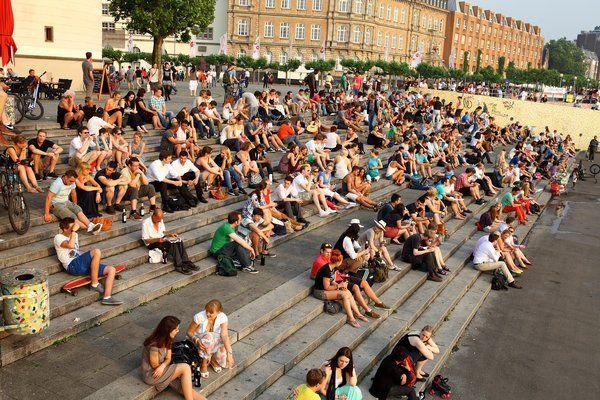 Abendstimmung an einem extrem heißen Junitag am Düsseldorfer Rheinufer - 19. Juni 2013