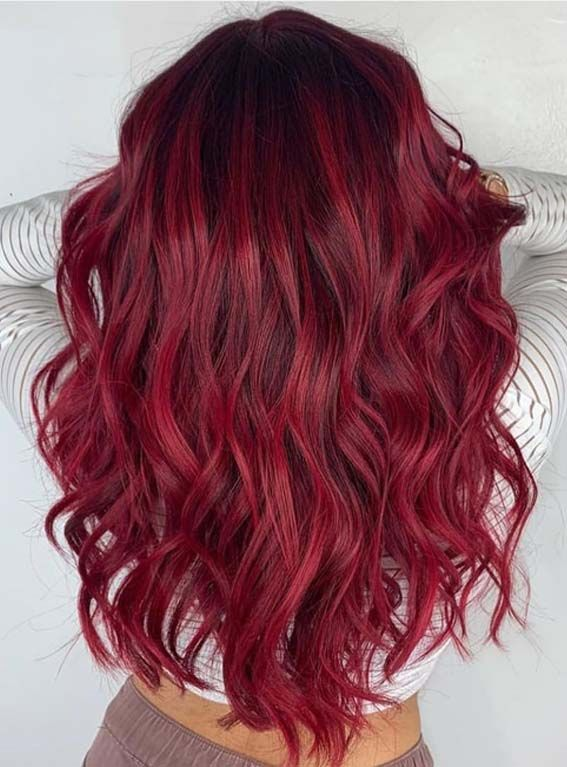 Our Most Favorite Ideas Of Red Hair Colors And Highlights For Long Hair To Highlight The Hair Look Nowadays Red Ombre Hair Red Hair Color Stylish Hair Colors