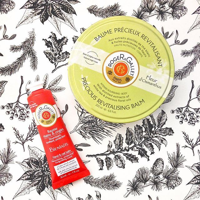 Is Roger & Gallet on your holiday wish list? We just love the vintage packaging and the scents that take you away to a lovely French garden. Check out the collection by clicking the link in our profile. @rogergalletcan #rogergallet #balm #handcream #vintage #holidays #gifts #holidaygifts #stockingstuffers #paris #whitetea #floral #garden #beauty #skincare #hydration #nourishing#revitalising #instabeauty #bblogger #beautyblogger #classic #scarletandjulia