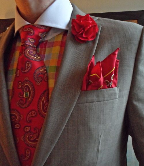 Mexx suit, Steven Land shirt, Dion Collection tie. Nice and fiery. Colour coordination can really make your day.