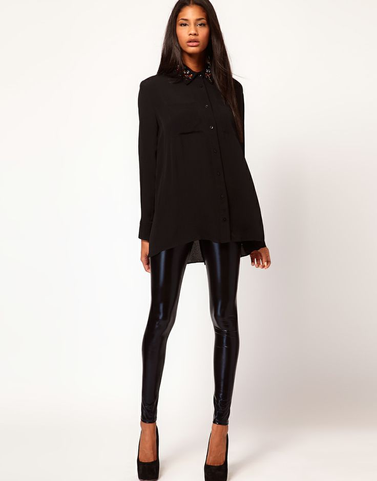 love the wet look of these leggings.  Easy breezy chic noir outfit.