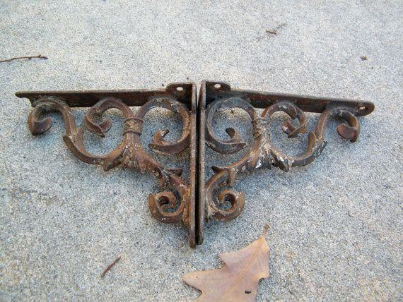cast iron shelf brackets