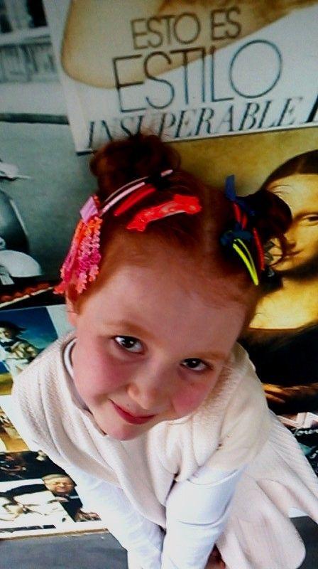 M-L made her own cute hairaccessories