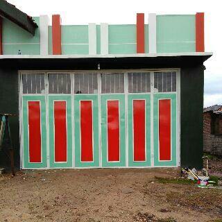 Pintu lipat garasi