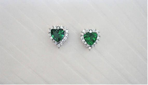 Green Heart cut lab Emerald with Clear/White round cut natural
