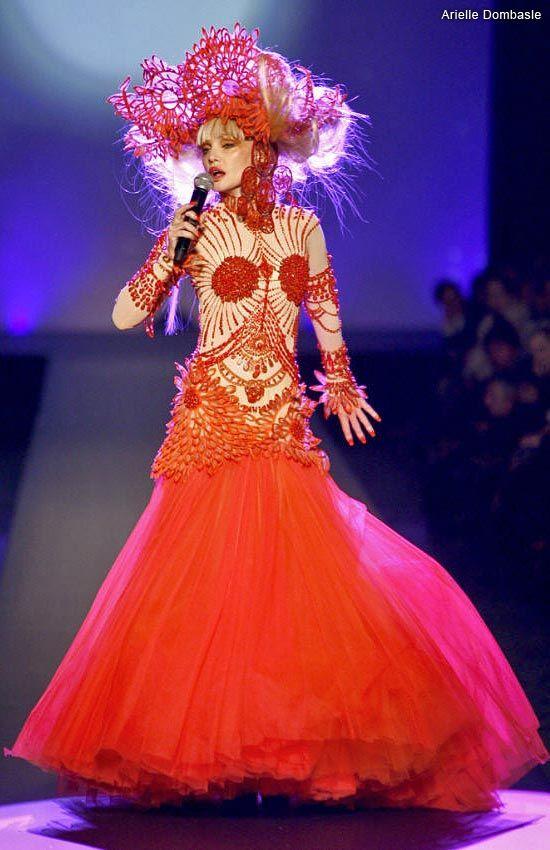 Парижская Неделя Высокой моды: мексиканская фантастика от Jean Paul Gaultier | Мода, модели и одежда | Женский журнал Lady.ru