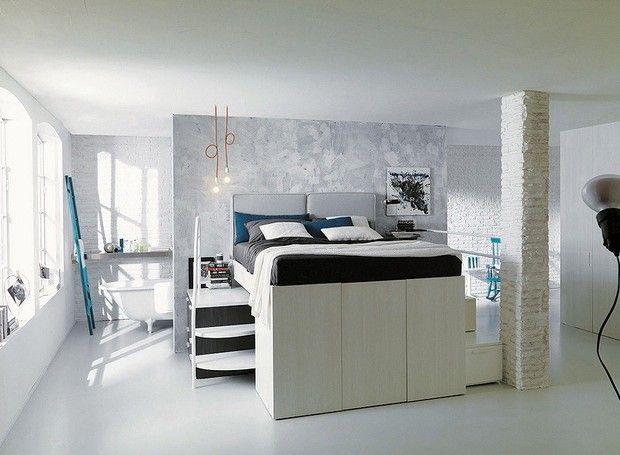 Uma bela solução para poucos espaços. http://www.souzaarte.com/blog